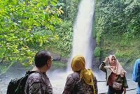 Curug Sawer Situ Gunung Suspension Bridge