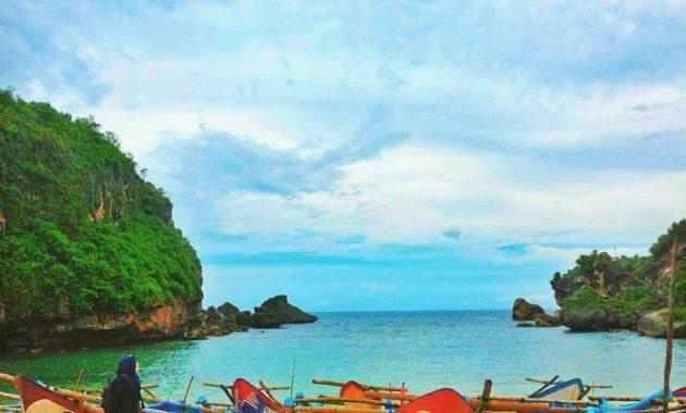 Destinasi Wisata Pantai Ngrenehan Di Gunungkidul