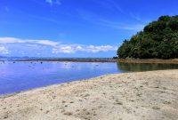 Jalan Menuju Pantai Air Manis Di Padang