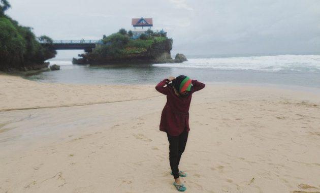 Kawasan Wisata Pantai Kukup Di Gunungkidul