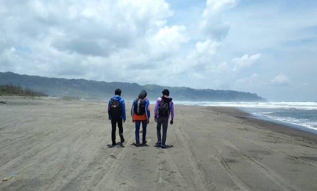 Kawasan Wisata Pantai Parangkusumo Di Bantul