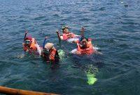 Snorkeling Wisata Pantai Pasir Putih Lampung