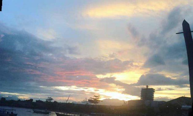 Sunset Wisata Pantai Pasir Putih Lampung