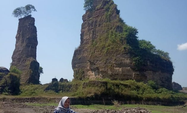 Jalan Menuju Brown Canyon Semarang