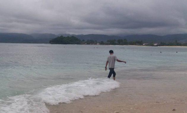 Jalan Menuju Pantai Labuhan Jukung Lampung