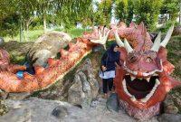 Patung Naga Objek Wisata Jambi Paradise