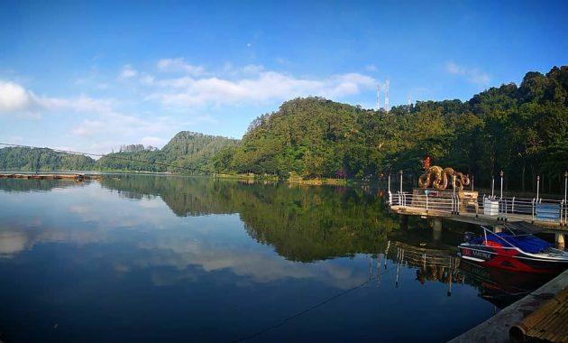 Wahana Telaga Ngebel Ponorogo
