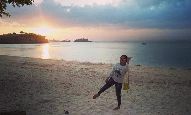Sunset Pantai Pink Lombok Timur