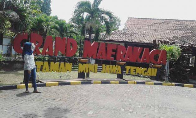 Jam Buka Puri Maerokoco Semarang