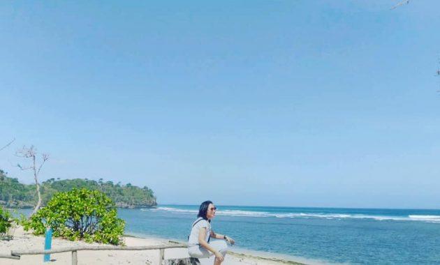 Alamat Pantai Balekambang Malang
