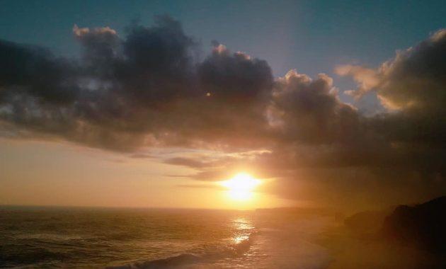 Sunset Pantai Pok Tunggal Gunungkidul