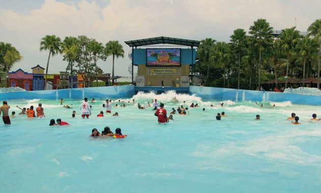 Tsunami Pool Hawai Waterpark Malang